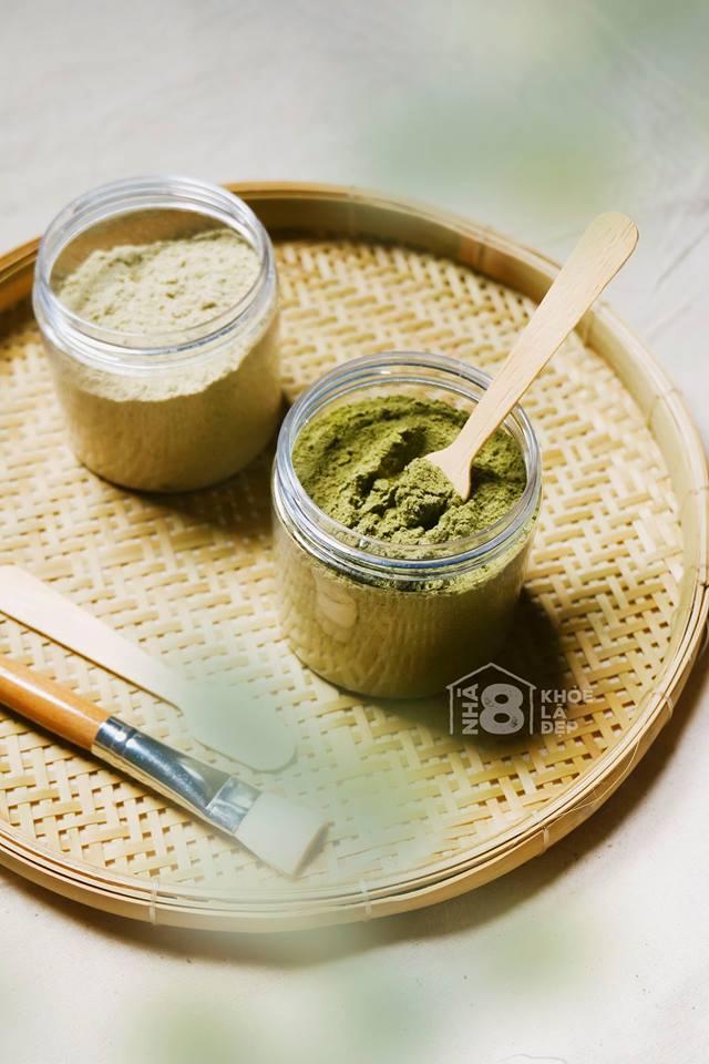 Bột cám gạo và bột trà xanh
